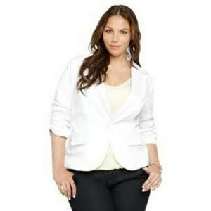 Size 3 Torrid White Blazer With Rouched Sleeves